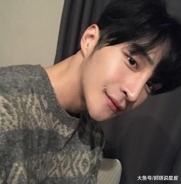 韩国健好肌肉男,长了一张奶油脸,网友:很不协调!