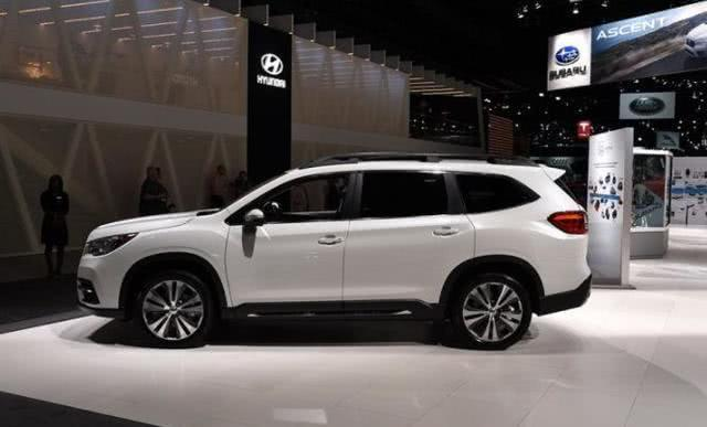 纯进口七座SUV, 2.4T配全时四驱, 车长近5米完爆汉兰达, 不足21万