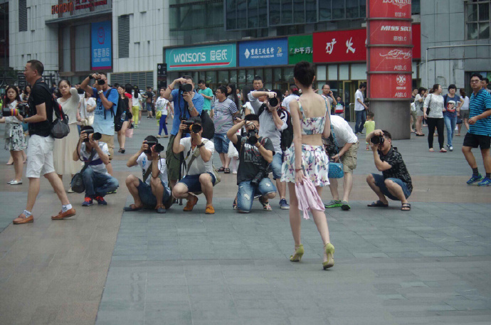 看了那么多街拍美女,你可知其背后的秘密?