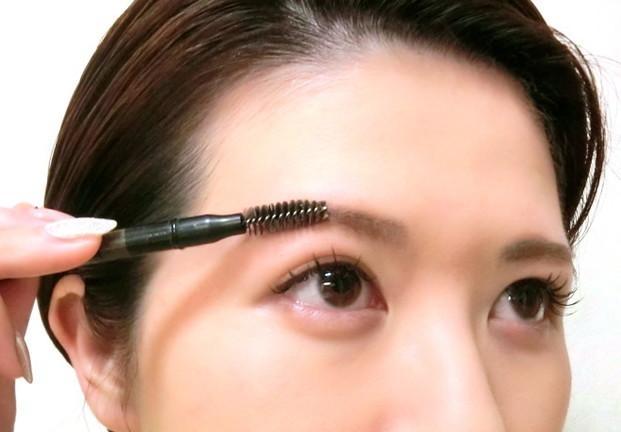 新手修眉画眉方法,别再说不会画眉!两种流行眉妆教程
