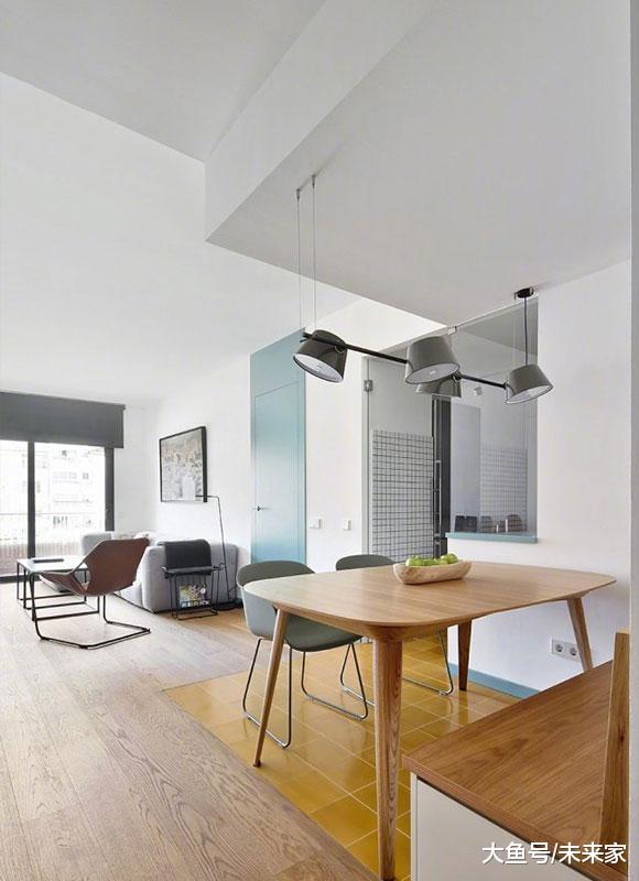 80㎡淡雅白色空间很干净,挂墙电视柜从门口通到阳台真少见!