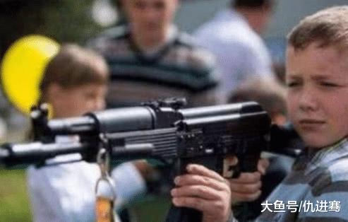 同样是不禁枪的国家,为什么俄罗斯的枪击案比美国少?答案很简单