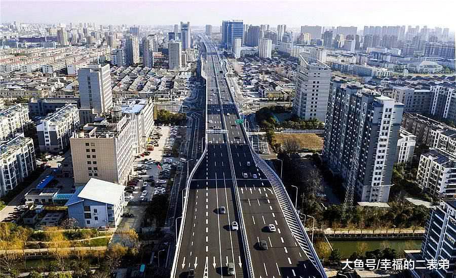 四川设计2020年建成一条新高速,毗邻成皆取重庆,沿途县市迎成长