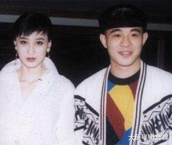 颜值回春!56岁李连杰与利智罕见同框,李连杰看起来比妻子还年轻