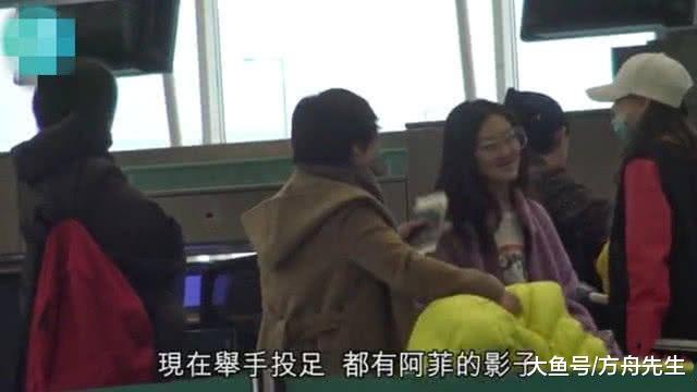 王菲伴小女儿购物, 李嫣妆扮时髦, 生动爱笑!