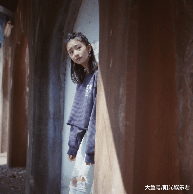 """黄磊大女儿颜值极高,但看到5岁妹妹,才知啥是""""美如天仙"""""""