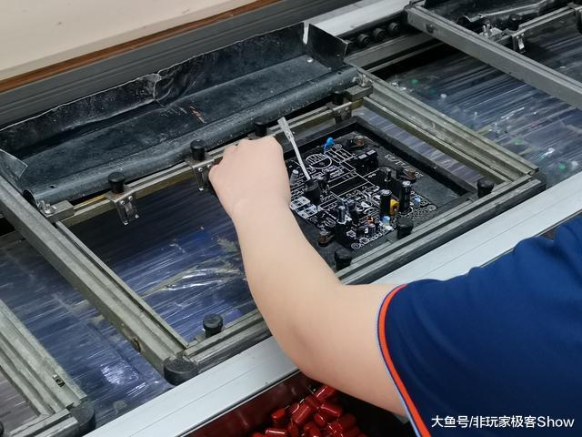 你用的电源竟是出自妹子之手?鑫谷工厂大揭秘