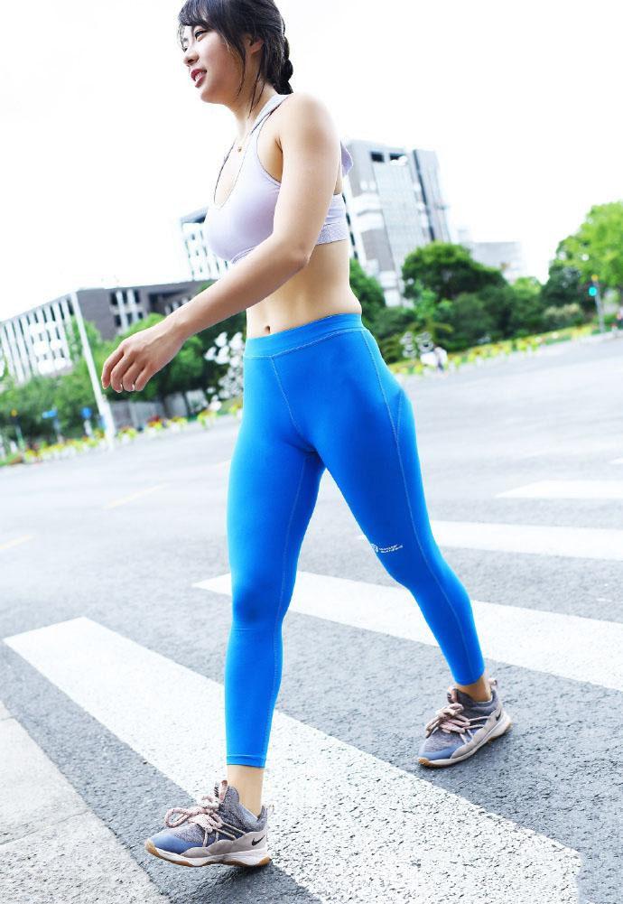 """辣妈这""""腰臀比""""真不科学,是跑步练出来的吗?"""