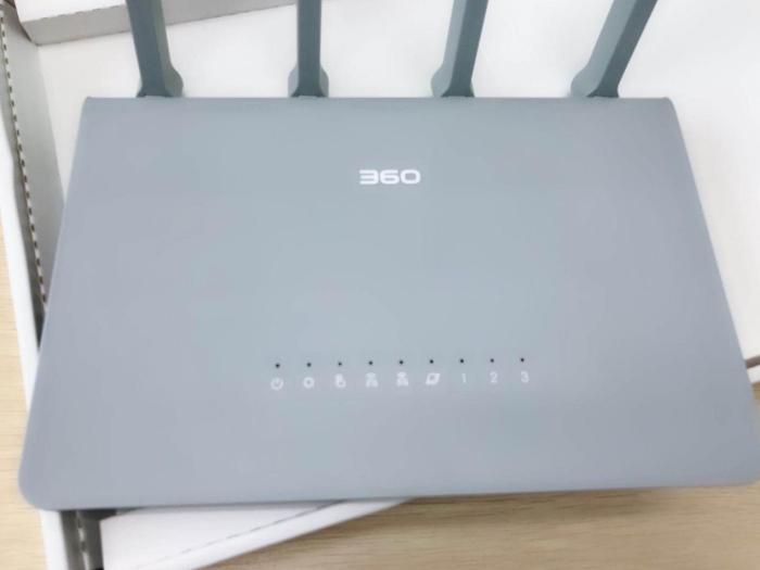 100M带宽时期年夜户型尾选,360平安路由V2