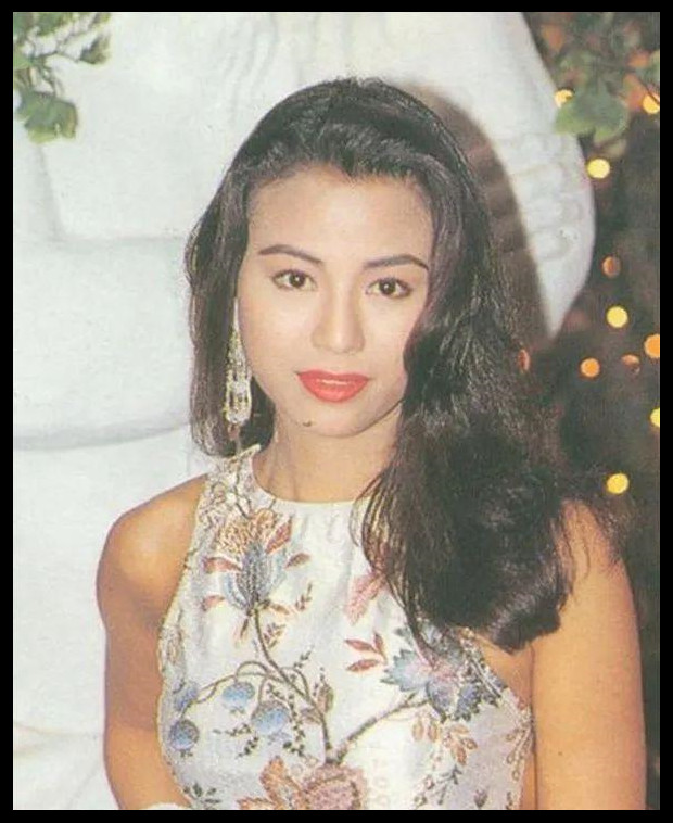 """她被誉为私生活最""""混乱""""的女星,52岁依旧魅力不减,差点闪婚吴彦祖表哥!"""