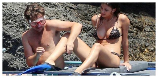 有种整容叫胖了的小李子,当看到他与女友的海边照,网友:你是换头了么