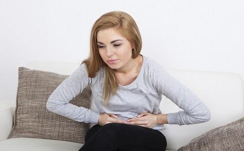 女子若畏惧衰老,卵巢子宫要养护好,常吃4种食物,更隐年青!