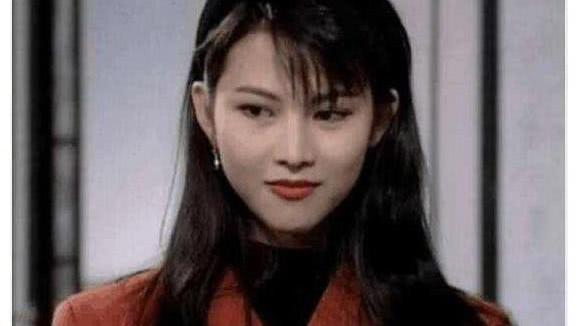 """香港五大""""魔女"""",只要看到她们18岁的摸样,都想谈恋爱!"""