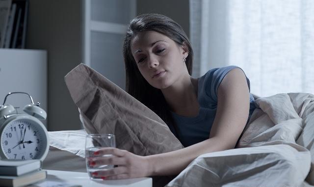 """常掉眠的人, 睡前发起别吃那4种食物, 能够会""""再度""""掉眠"""