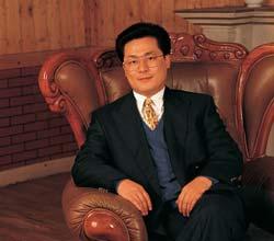 他是中国尾个被判死刑的亿万财主,临死前还念用500亿购命
