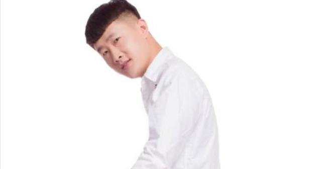 """快手网红最出名的""""骗子"""":其中一位假装是""""土豪"""",最后一位整日""""哭穷""""!"""