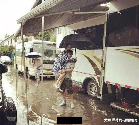 """李小璐大逆转?贾乃亮被曝曾巴结陈乔恩,暗恋刘亦菲送""""豪华游艇"""""""
