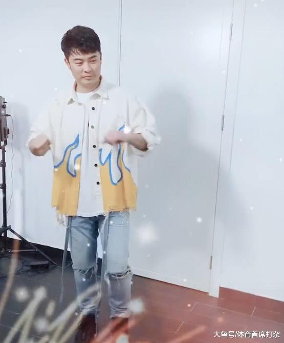 34岁陈赫大跳热舞,一个表情透出他的本质,网友:曾小贤无疑了