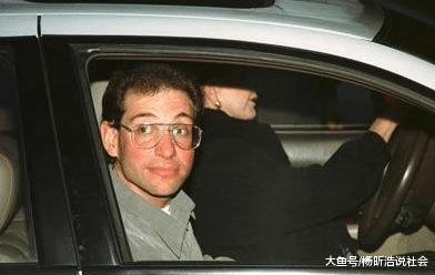 世界三年夜顶尖黑客, 他把中国国旗挂在好国主网页!