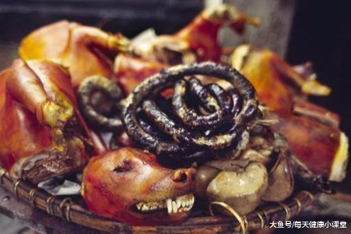 """吃起来让""""神仙""""也站不稳的美食,为什么从没见过被端上餐桌?"""