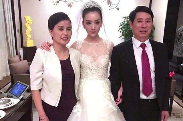 53岁郭富城比岳母还大4岁,当两人同框后,网友瞬间炸锅了!