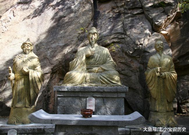 他是中国千古怪杰, 能力超出诸子百家, 编写的书本却被封禁千年