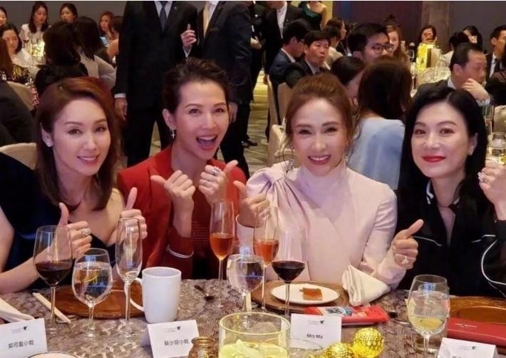 """前TVB女星成四大花旦,50岁成唯一""""剩女"""",自爆多年单身原因"""