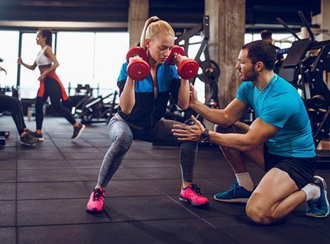 为何有人肌肉练得再好, 却不适合做健身教练?