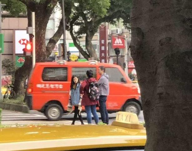 12岁的李嫣是被爱环绕的小公主, 王菲取李亚鹏轮替带女儿随处旅游