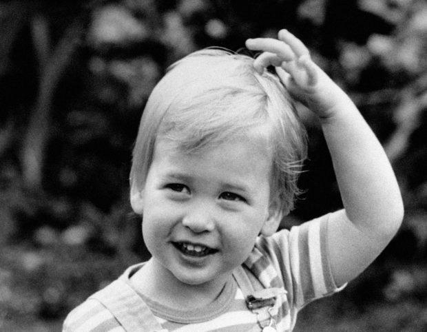 英国女王基果太壮大, 翻出王室一家小时刻的照片