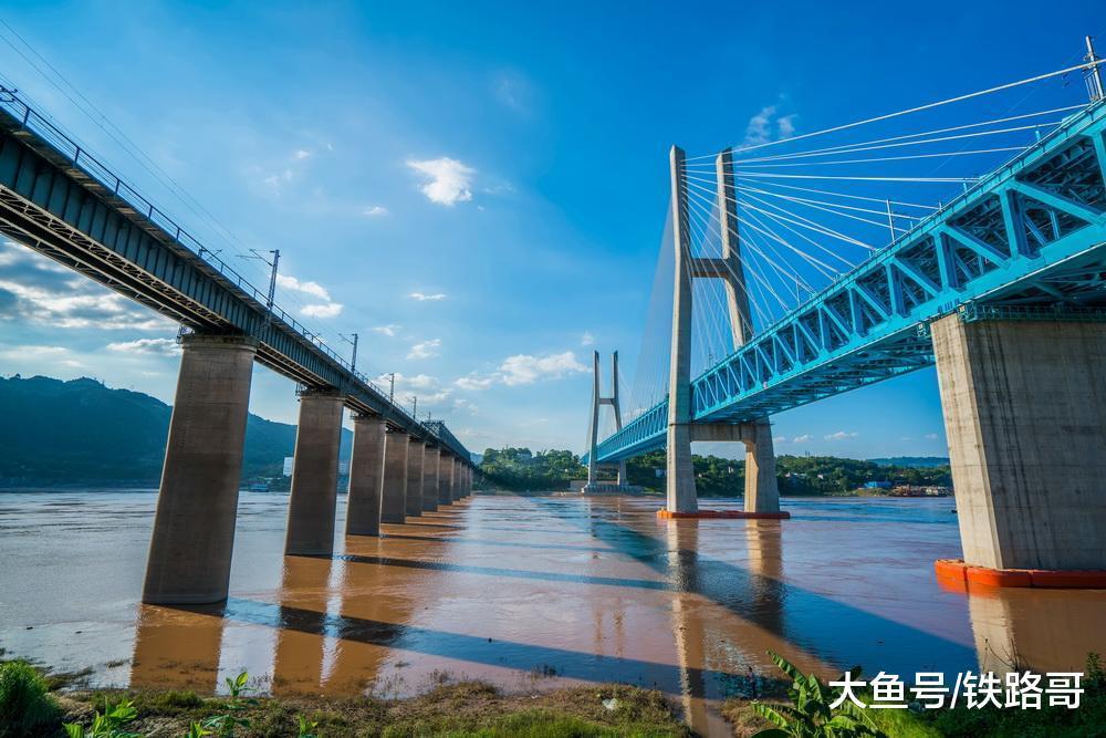 老了!风雨60年的白沙沱铁路年夜桥,另有取桥相伴30年的铁路守井人