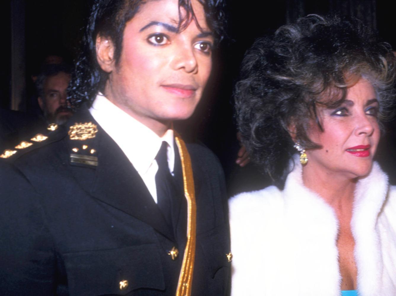 童星年夜魔咒: 泰勒追想迈克尔杰克逊Michael令无数网友动容饮泣!