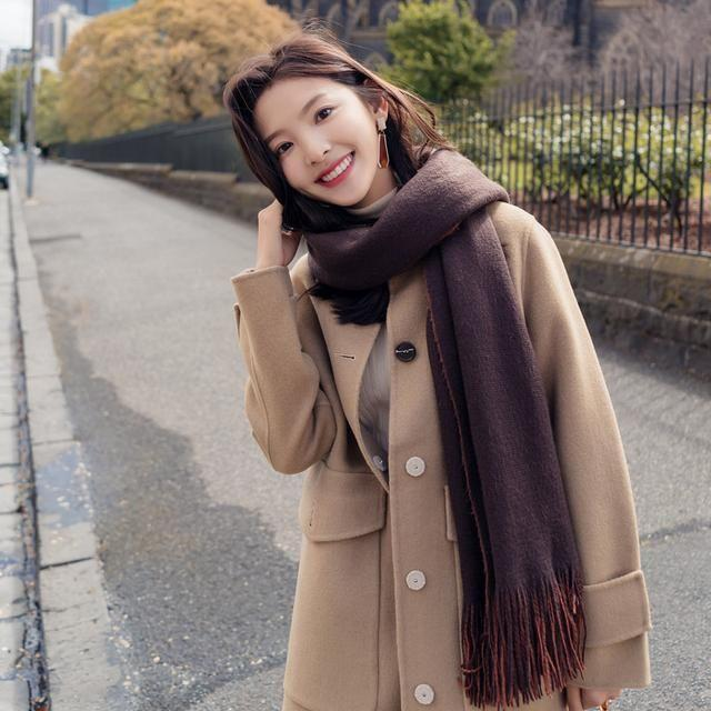 年夜衣中套看起去异常文雅, 穿起去很洋气, 尽隐文雅的女子气量