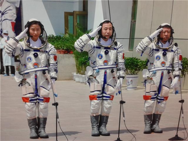 昔时收中国兵器,现在中国帮法国完成登月使命,法国人此次很高兴