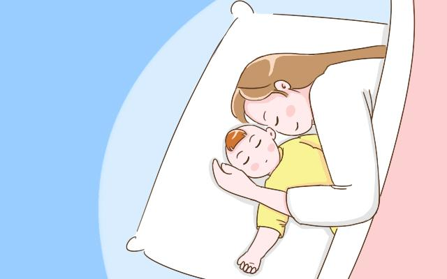 为啥宝宝睡觉爱满床打滚?家长弄懂背后原因,能让宝宝睡觉更安稳