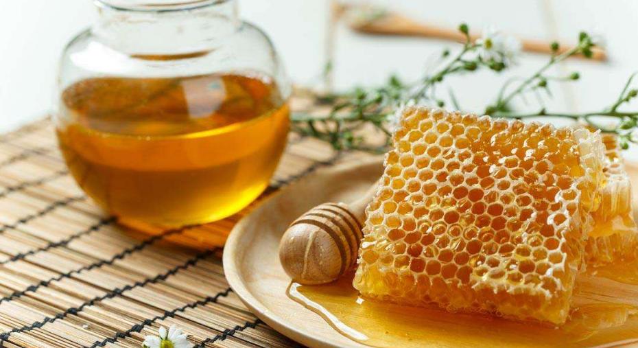"""""""蜂蜜""""到底用什么水泡好? 很多人搞错了, 难怪常年喝也效果差!"""