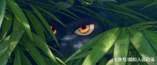 《熊出出》里的黑暗窥视,萨尔塔喜欢尾随,小狼女紧紧盯住熊年夜
