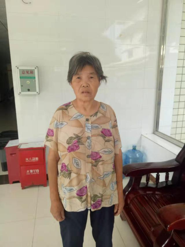 成都简阳救助站:五旬女子被救助,自称叫易显翠