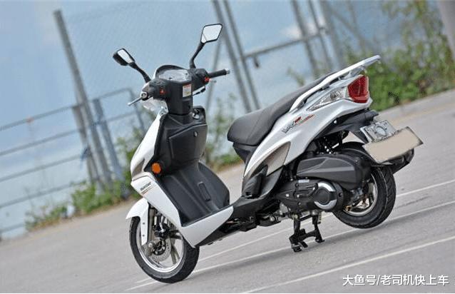 国产中型运动踏板,150cc配电喷,2.2L油耗售0.98万