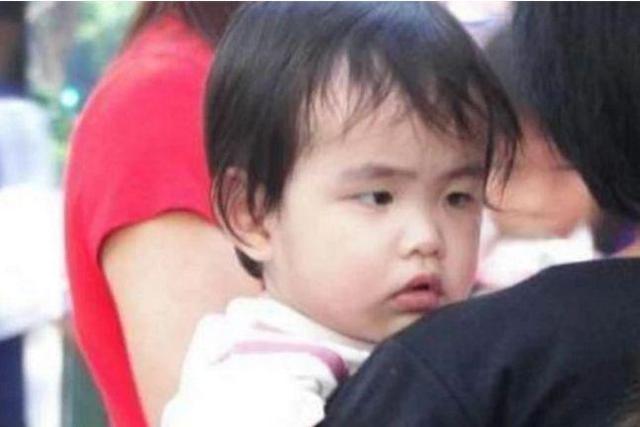 周杰伦儿子才半岁,就患上了家族遗传病,网友:心疼宝宝