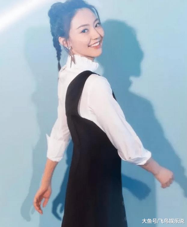 杨幂出有捧红的女明星,居然那么会穿衣服