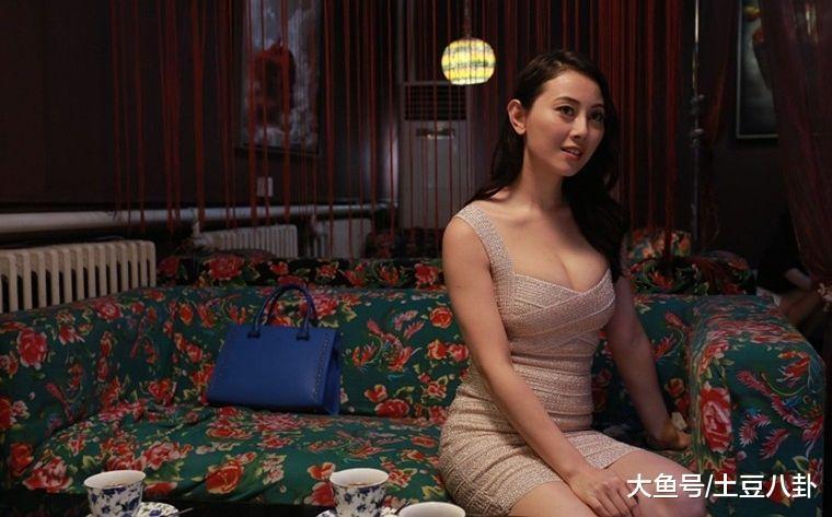 所有晶女郎中,她是王晶无辜捧红的唯一一位演员,只能说本钱太好