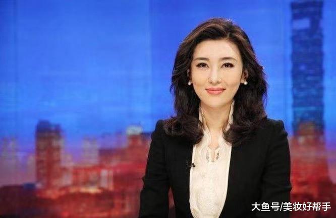 为了提高收视率,韩国女主持穿着惹网友吐槽:请用实力说话!