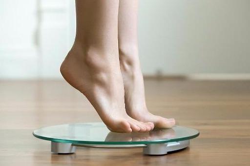 产妇刚死完孩子,体重会削减若干?您关怀的3个题目,要认识清晰