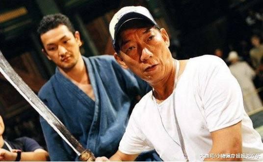 同父分歧命的两兄弟:哥哥出演过戏却名谦齐球,弟弟演一辈子易红