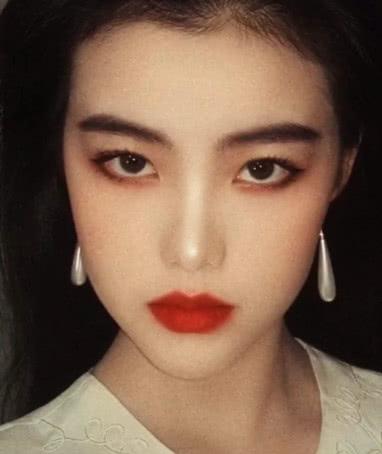 周海媚的嘴、王祖贤的眼、朱茵的鼻子,合在一起如何?网友:王者啊!