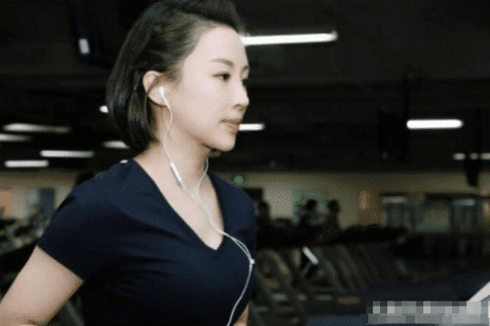 """潘晓婷被""""小鲜肉""""滋润后,37岁却美过Baby,网友:爱的魔力!"""