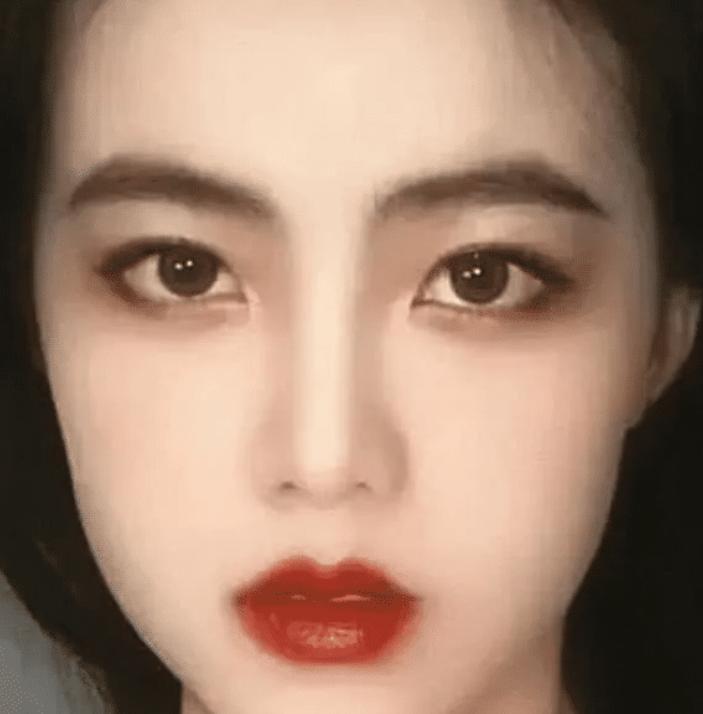 朱茵的鼻,王祖贤的眼,周海媚的嘴, 都组合在一起:简直惊为天人