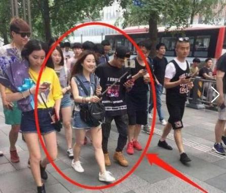 当生图下的刘亦菲撞上生图下的冯莫提,网友:这压根没法比!