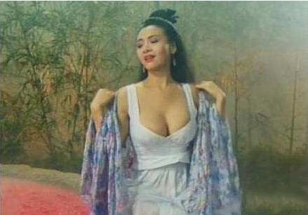 她曾是80后心中的最美女神,凭借一流颜值风靡整个娱乐圈,如今却过成这样
